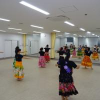 フラダンス練習(会議室)